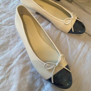 Chanel classic flats- brand new